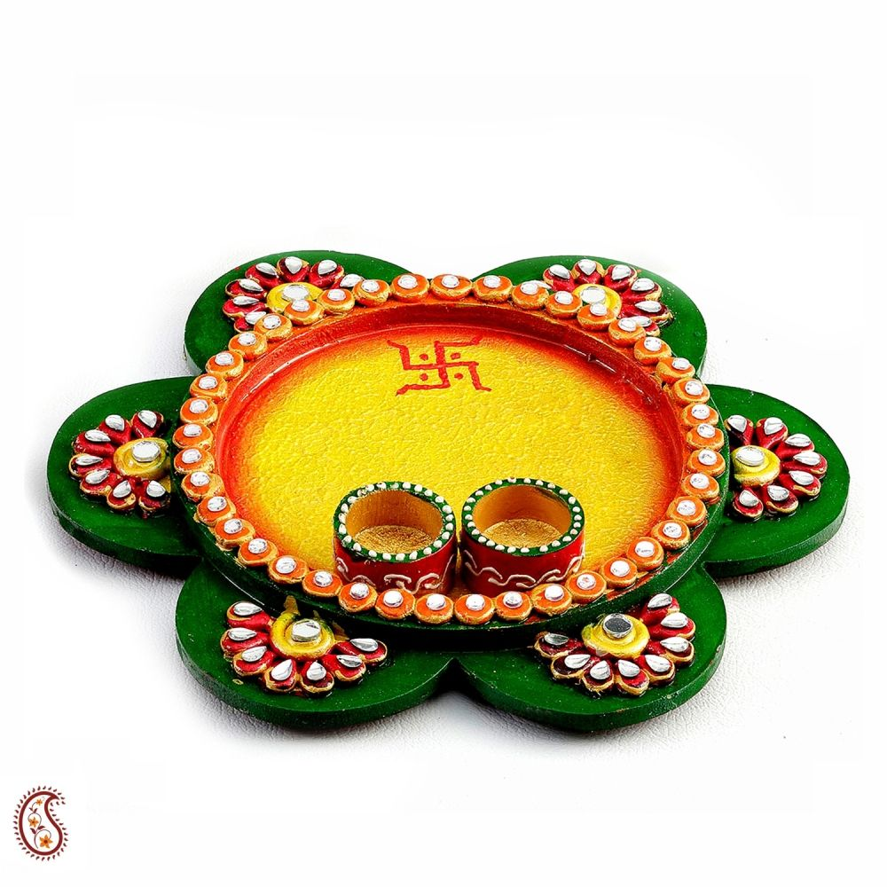 Buy green textured wood and clay work pooja thali online for Aarti thali decoration with clay