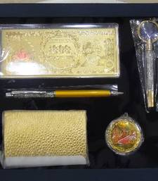 Buy Gold Foil Office Gift Set rakhi-gifts-for-brother online