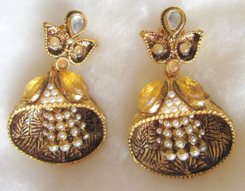 Pearl Earrings Designs in Gold Gold Tone Pearl Shell Design