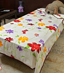 Buy Fresh and fiery blooms soft duvet-cover online