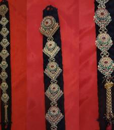 Buy Traditional Elegant Choti  bridal-set online