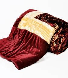 Buy Golden Crush Border Single Bed Velvet Quilt bed-sheet online
