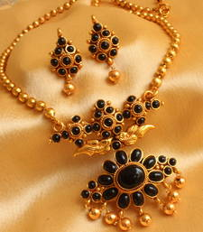 Buy GORGEOUS KEMP BLACK  PEACOCK ANTIQUE NECKLACE SET necklace-set online