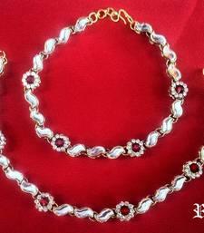 Buy Royal Mystiqye Marron Jade Anklet,  Kundan Anklet anklet online