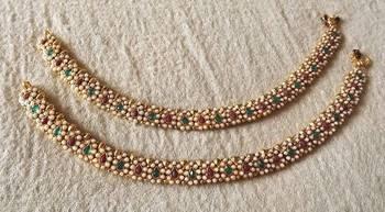 Traditional Payal in Kundan & Pearls