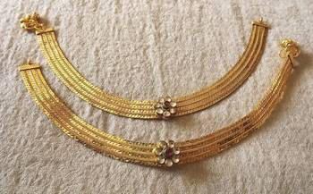 Beautiful Payal in Gold