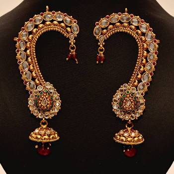 Anvi's gorgeous ear cuffs.