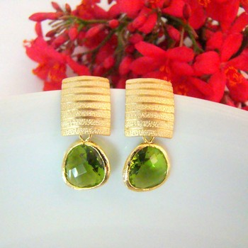 Chic Green Stud Earrings