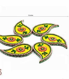 Buy Diwali Gifts Ideas- Six piece Keri Wood and Clay Floor Art Diwali Set { Rangoli } onam-festival-gifts-kerala-2013 online