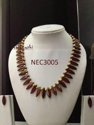 Handmade customized maroon glass beads necklace