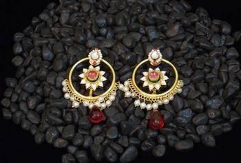Elegant kundan pearl chand bali earring
