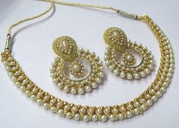 Golden pearl and pearl polki necklace set