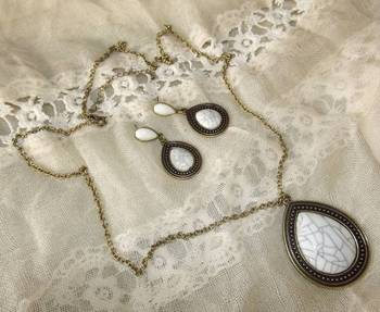 Victorian Style Pendant and Earring Set