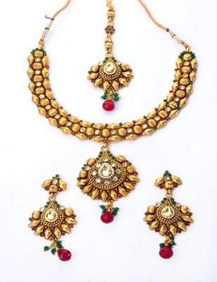 Designer Leaf Necklace Set