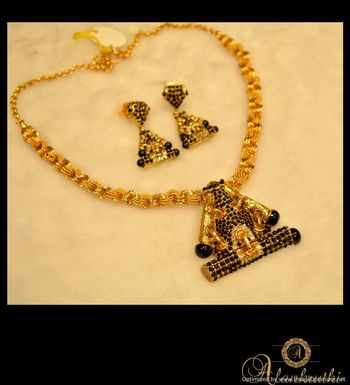 Antique Necklace Sets 11