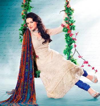 Elegant Aesthetic Karachi Heavy Embroidery Georgette Salwar Kameez 5413B
