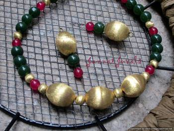 Traditional Green & Magenta necklace