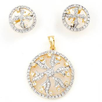 A Very Uncommon Handcrafted Pendant Set With Pair Of Earrings