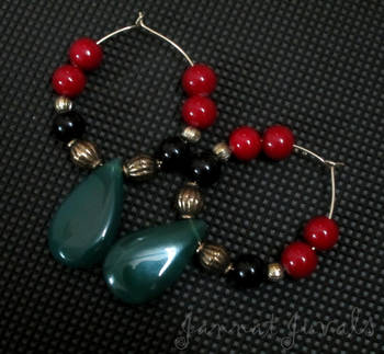 Fabulous Red & Black Rings with Green Drops