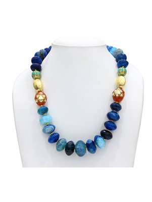Tapering Blue necklace