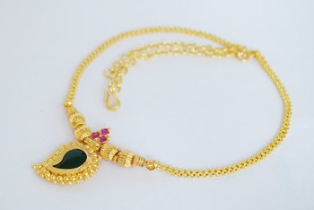 Single mango necklace