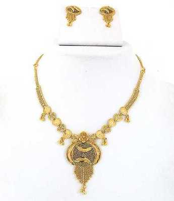 Gold Fashion Necklace Set