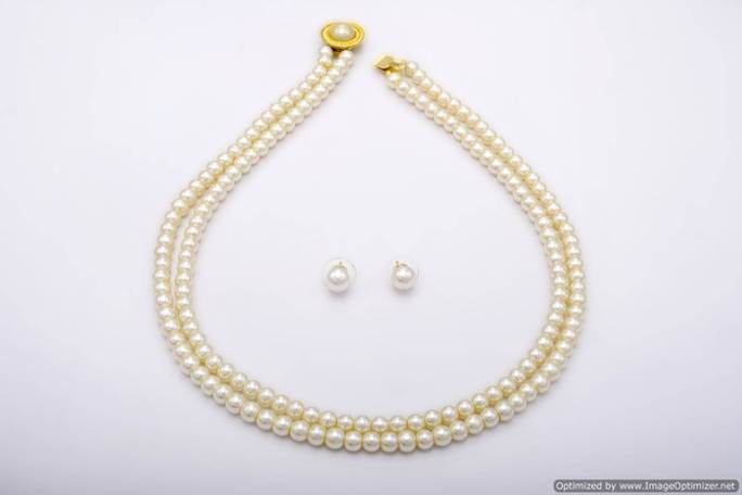 Buy Simple Amp Sober Double String Shell Pearls Set From