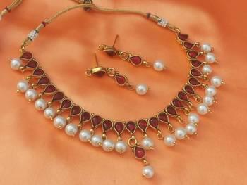 lovely pearl set