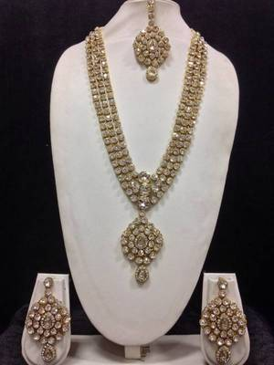 Long Designer Jewelry Set in White
