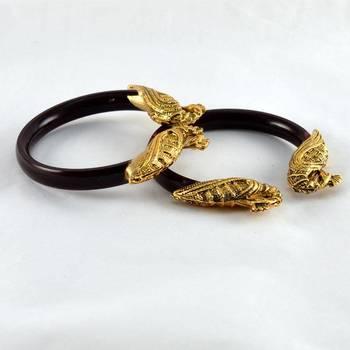 Royal stretchable bangles 21cut colour maroon
