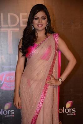 Drashti Dhami golden petal saree