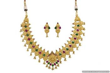 ANTIQUE GOLDEN STONE STUDDED TEMPLE THEME NECKLACE SET (RED GREEN)  - PCAN4040
