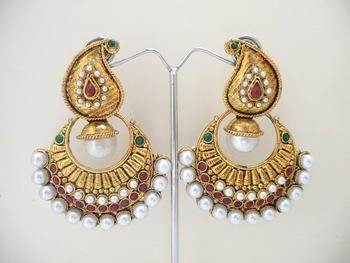 white moti pearl earrings