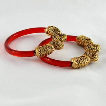Wonderful stretchable bangles trans red