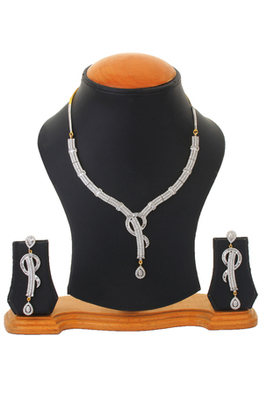 Studded Shimmer Party Earrings Necklace Set For Women