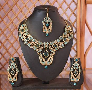 Bright Golden Blue Raw-Cut Stones Necklace Set