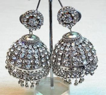 Elegant and trendy, ethnic zircon stud silver color earring jhumki