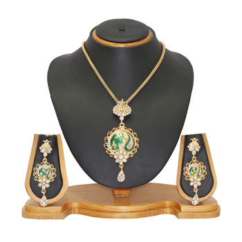 Jewellery Creative Designer Pendant Set Jeweller