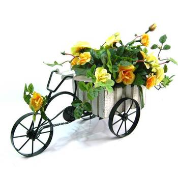 Roses on wheels (Yellow)