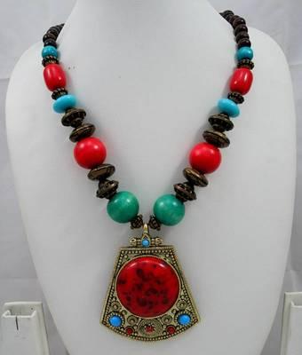 Handicraft Fashion Necklace