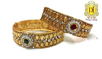 Pearl polki openable bracelets pair