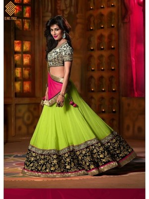 Green Embroidered  lehenga-choli With Blouse Piece