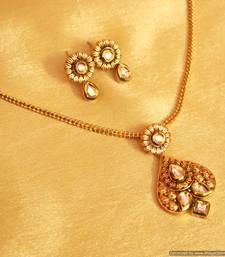 Buy Antique Kundan Meenakari Pendant Set Pendant online