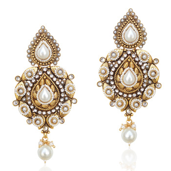 Valley of flowers, with intricate pearl work ethnic earring j44w