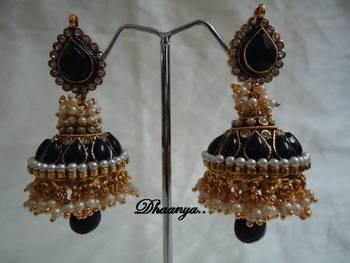Black Pearl Jhumki