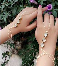 Buy Kundan and Pearls Hathphool haath-phool-hath-panja online