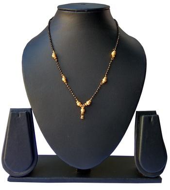 Gold topaz mangalsutra