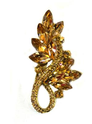 Golden leafy Brooch