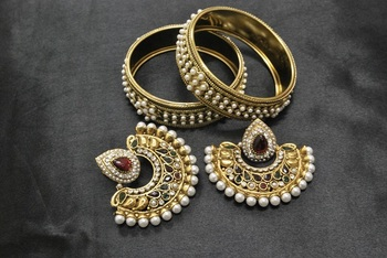 New Ram Leela Maroon & Green Colour Earrings with Gold Plated Bangles with Pearls