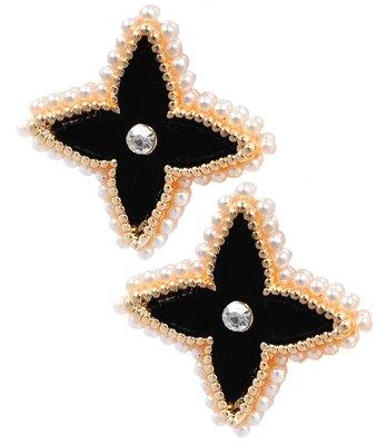 Sparkling Black Pearl Push-Back Stud Earrings